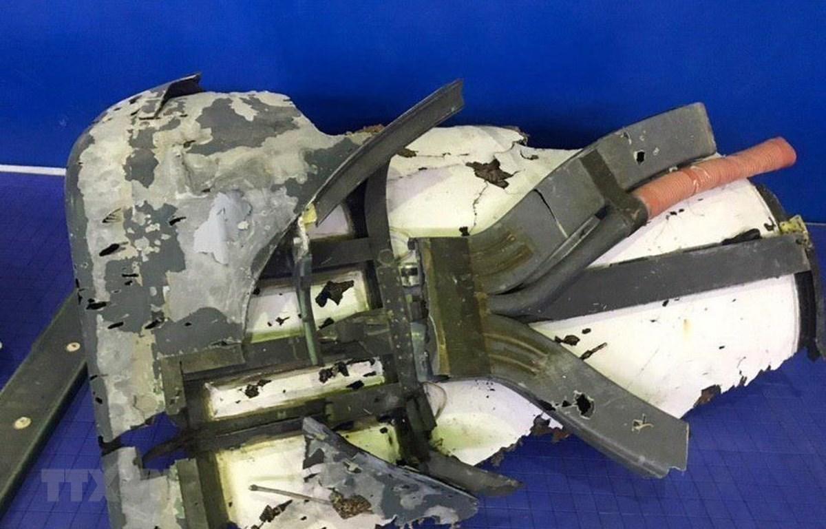 Những mảnh vỡ của chiếc máy bay không người lái RQ-4 Global Hawk của Mỹ bị lực lượng phòng không Iran bắn hạ ngày 20/6/2019. (Ảnh: AFP/TTXVN)