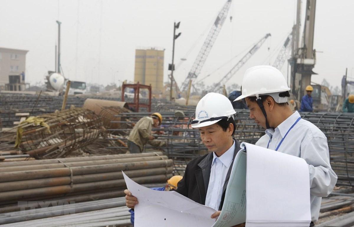 Kiểm toán thực tế tại công trường xây dựng Trụ sở Bộ Ngoại giao (Hà Nội). (Ảnh: Phạm Hậu/TTXVN)
