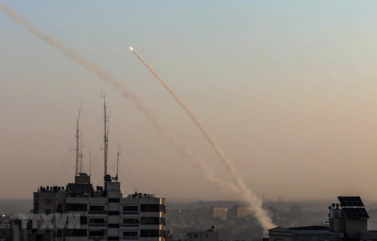 Rocket được nã từ Dải Gaza về phía lãnh thổ Israel ngày 12/11/2019. (Ảnh: THX/TTXVN)