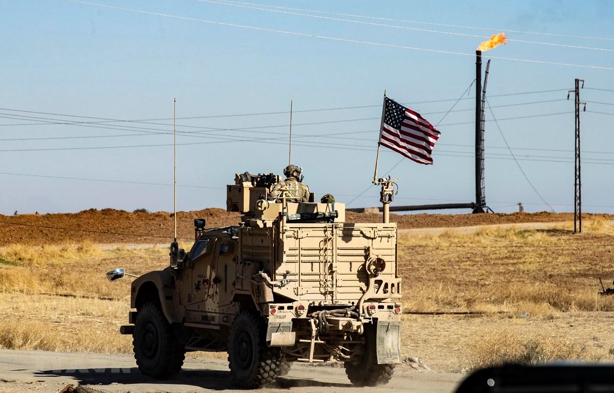 Quân đội Mỹ tuần tra tại tỉnh Hasakeh, Đông Bắc Syria ngày 6/11/2019. (Ảnh minh họa. AFP/TTXVN)