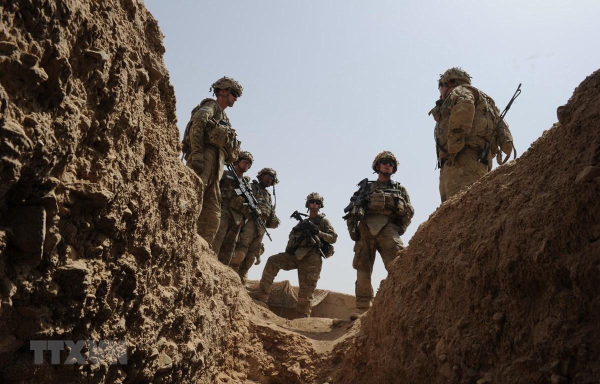 Binh sỹ Mỹ tuần tra tại căn cứ tỉnh Kandahar, ngày 7/8/2011. (Ảnh: AFP/TTXVN)