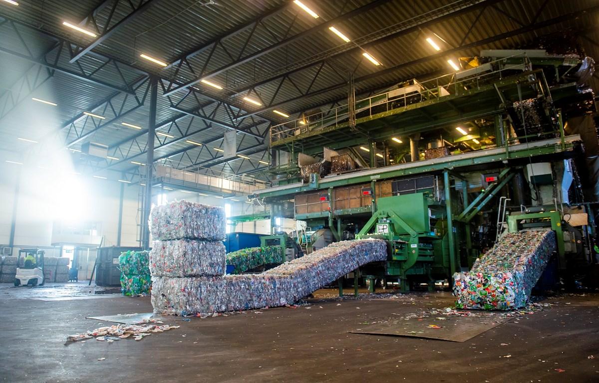 Rác thải nhựa được tái chế tại nhà máy ở Fetsund, đông nam Na Uy. (Ảnh: AFP/TTXVN)