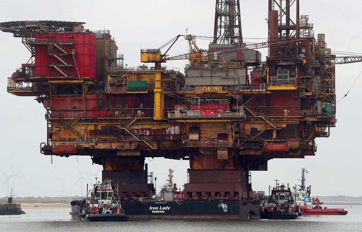 Giàn khoan dầu của Hãng Shell. (Ảnh: AFP/TTXVN)