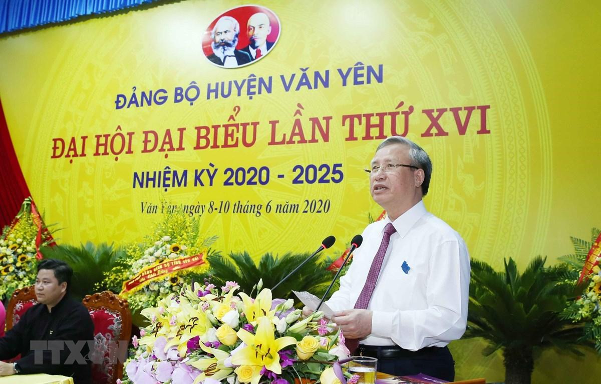 Ủy viên Bộ Chính trị, Thường trực Ban Bí thư Trần Quốc Vượng phát biểu tại Đại hội. (Ảnh: Phương Hoa/TTXVN)