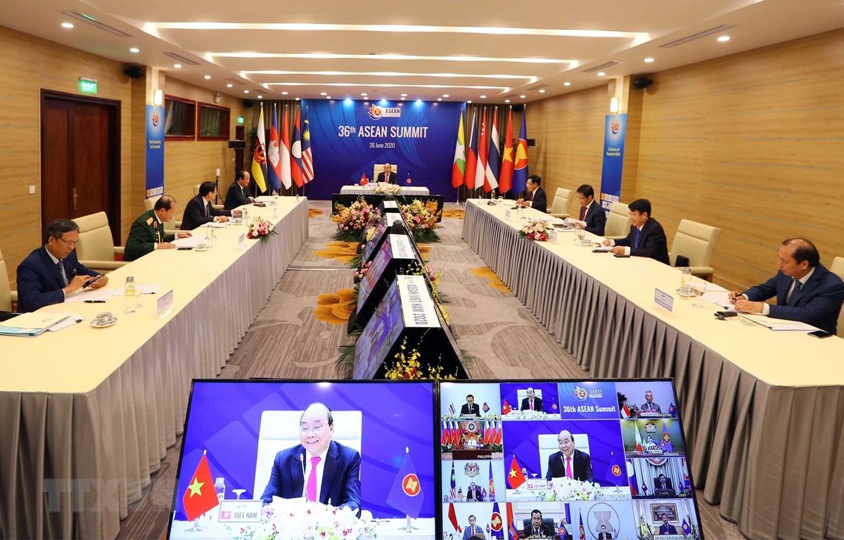 Thủ tướng Nguyễn Xuân Phúc, Chủ tịch ASEAN 2020 phát biểu tại Lễ khai mạc Hội nghị Cấp cao ASEAN lần thứ 36. (Ảnh: Thống Nhất/TTXVN)