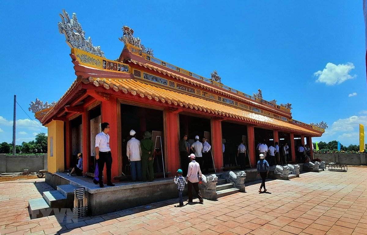 Đền thờ vua Hàm Nghi và các tướng sĩ Cần Vương. (Ảnh: Hồ Cầu/TTXVN)