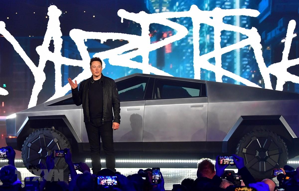 Trưng bày xe ôtô điện Tesla tại Hawthorne, bang California (Mỹ). (Ảnh: AFP/TTXVN)