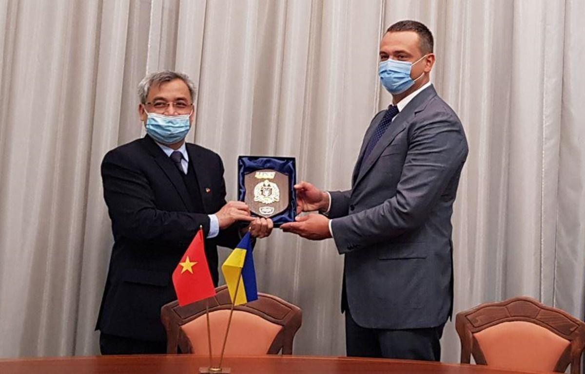 Thúc đẩy hợp tác kỹ thuật quân sự giữa Việt Nam và Ukraine
