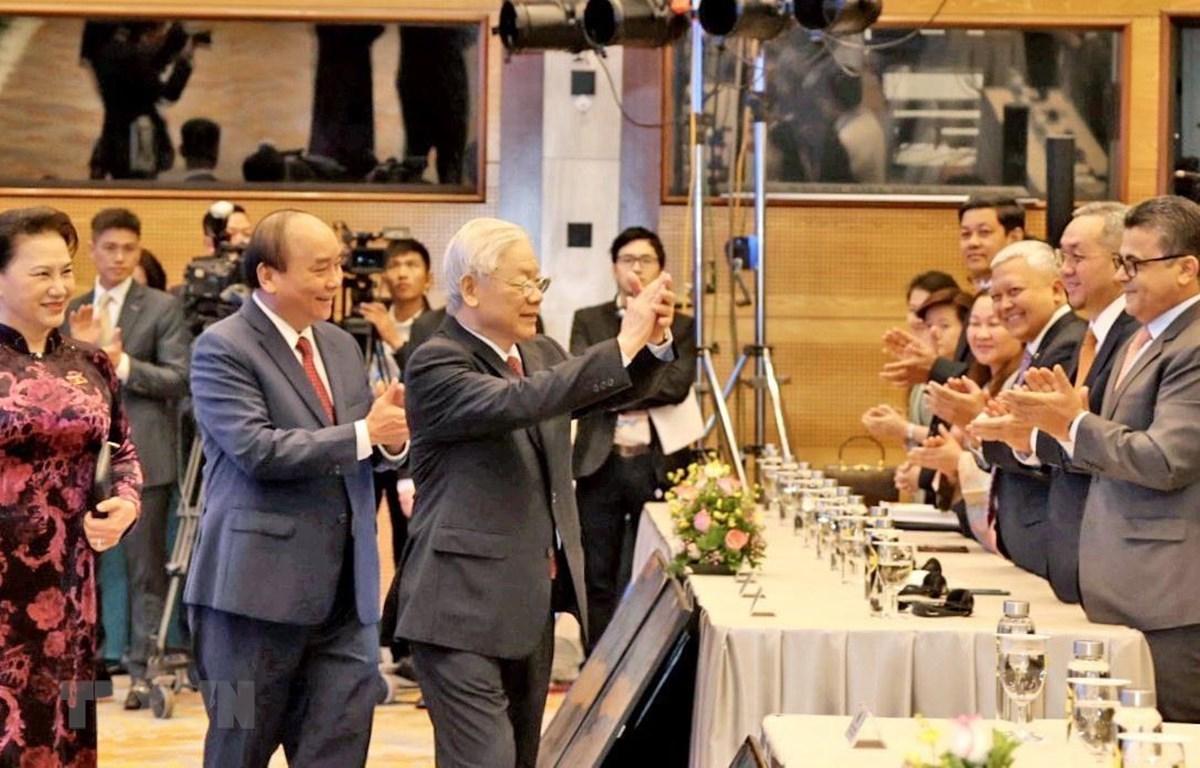 Tổng Bí thư, Chủ tịch nước Nguyễn Phú Trọng, Thủ tướng Nguyễn Xuân Phúc, Chủ tịch Quốc hội Nguyễn Thị Kim Ngân dự lễ khai mạc Hội nghị Cấp cao ASEAN lần thứ 37. (Ảnh: TTXVN)