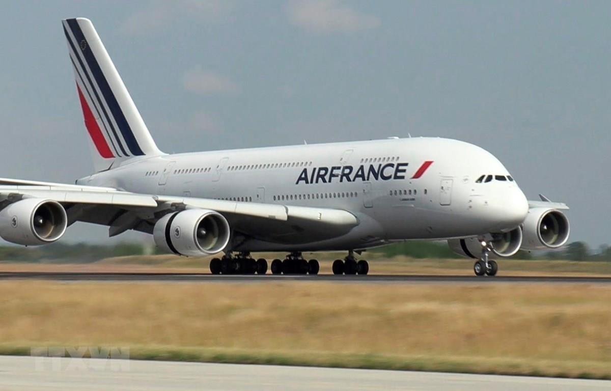 Máy bay của Air France tại sân bay Paris-Charles-de-Gaulle, Pháp. (Ảnh: AFP/TTXVN)