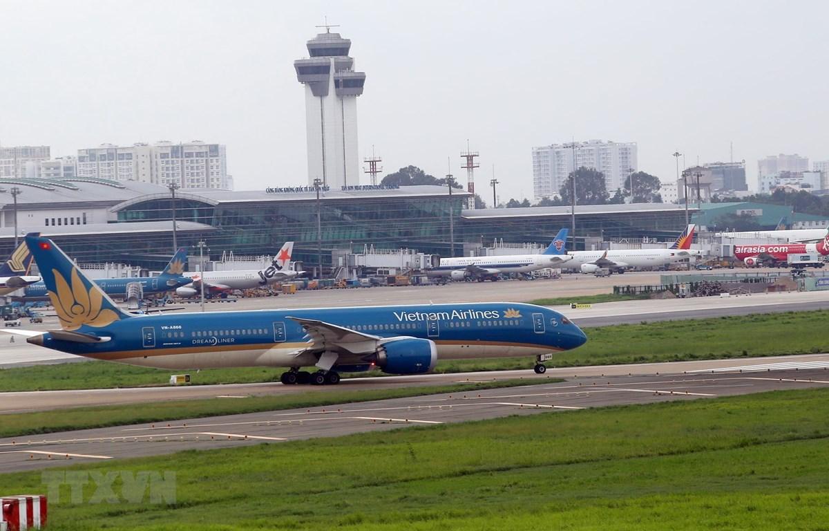Dự kiến, sau khi nâng cấp, sân bay Tân Sơn Nhất sẽ có sản lượng vận chuyển hành khách đạt 50 triệu lượt khách/năm. (Ảnh: Huy Hùng/TTXVN)