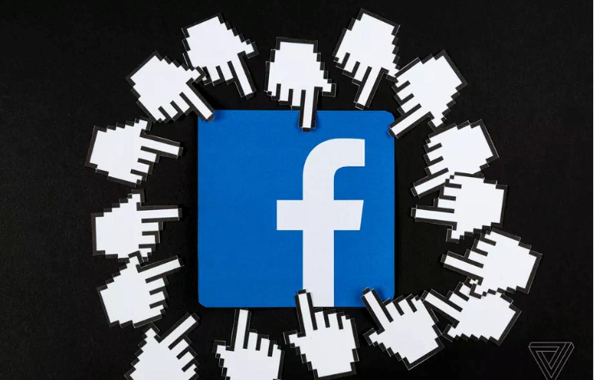 Facebook cho biết đã thanh lọc hàng triệu triệu tài khoản giả mỗi ngày. (Nguồn: The Verge)