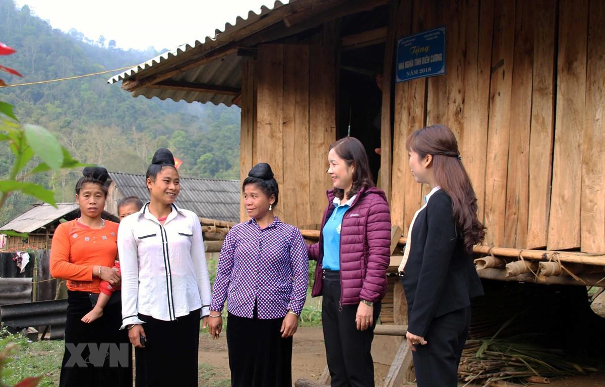 Nhà Mái ấm biên cương tại bản Phiêng Khàng, xã Phiêng Pằn, huyện Mai Sơn. (Ảnh: Diệp Anh/TTXVN)