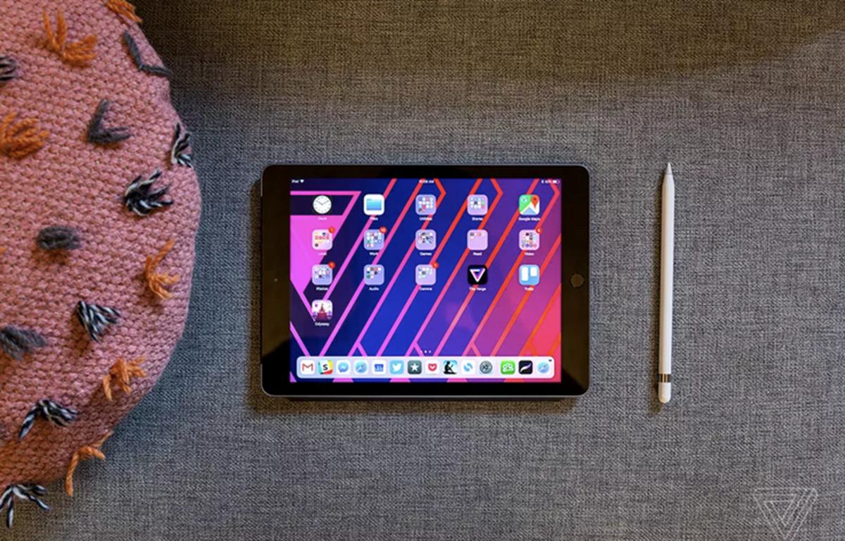 Mẫu iPad cơ bản tiếp theo có thể được nâng lên kích thước màn hình 10inch. (Nguồn: The Verge).