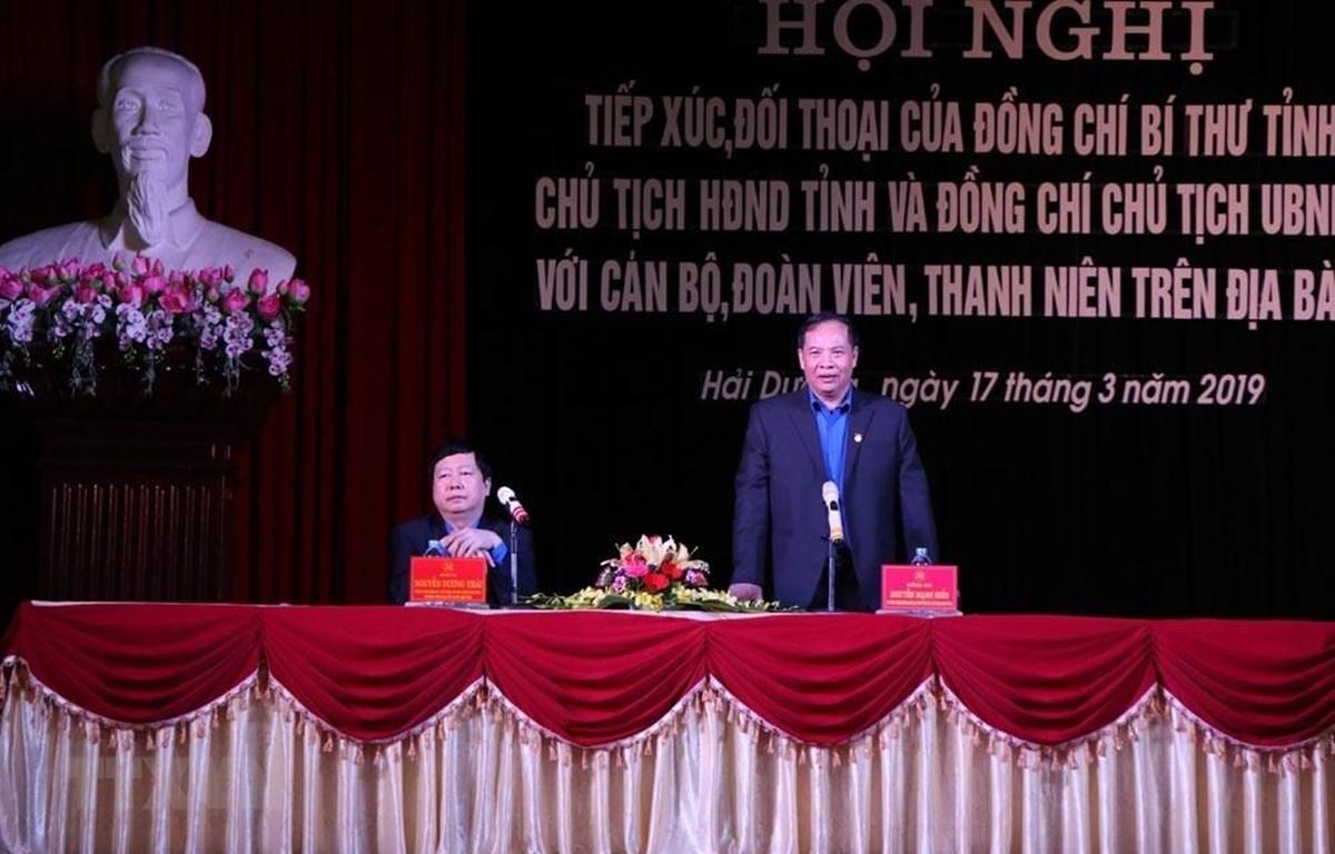 Bí thư Tỉnh ủy, Chủ tịch Hội đồng Nhân dân tỉnh Hải Dương Nguyễn Mạnh Hiển phát biểu tại đối thoại. (Ảnh: Mạnh Minh/TTXVN)