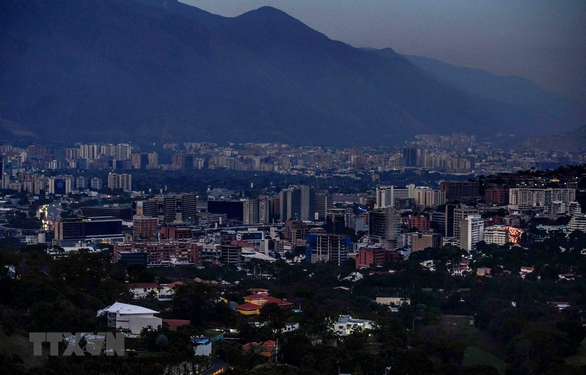 Cảnh mất điện tại Caracas, Venezuela ngày 9/3/2019. (Nguồn: AFP/ TTXVN)