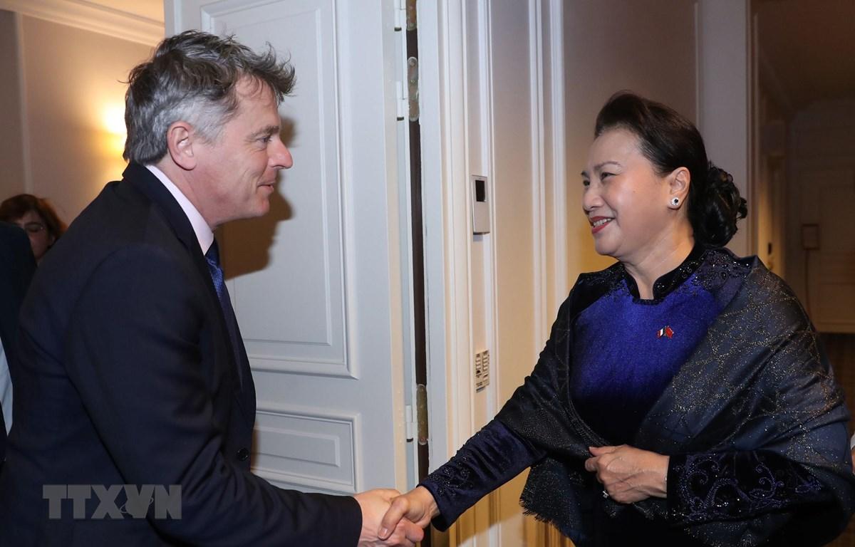 Chủ tịch Quốc hội Nguyễn Thị Kim Ngân đã tiếp Bí thư toàn quốc Đảng Cộng sản Pháp Fabien Roussel. (Ảnh: Trọng Đức/TTXVN)