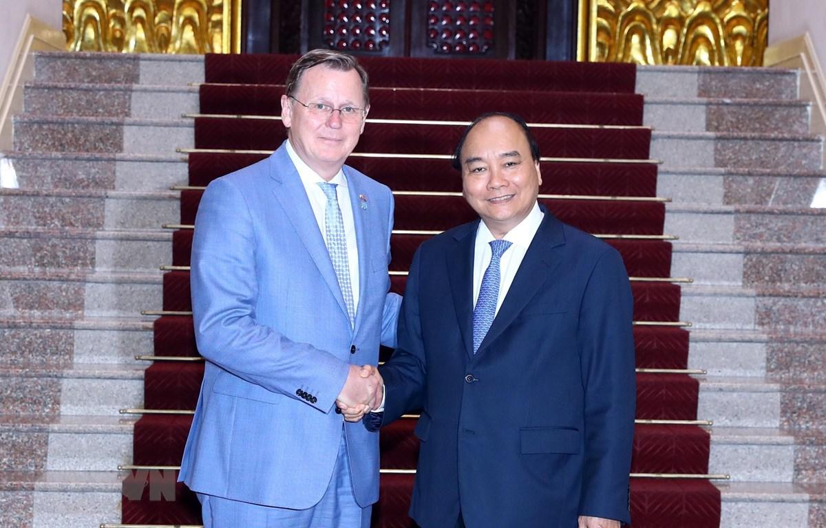 Thủ tướng Nguyễn Xuân Phúc tiếp ông Bodo Ramelow, Thủ hiến Bang Thüringen, Cộng hòa Liên bang Đức. (Ảnh: Thống Nhất/TTXVN)