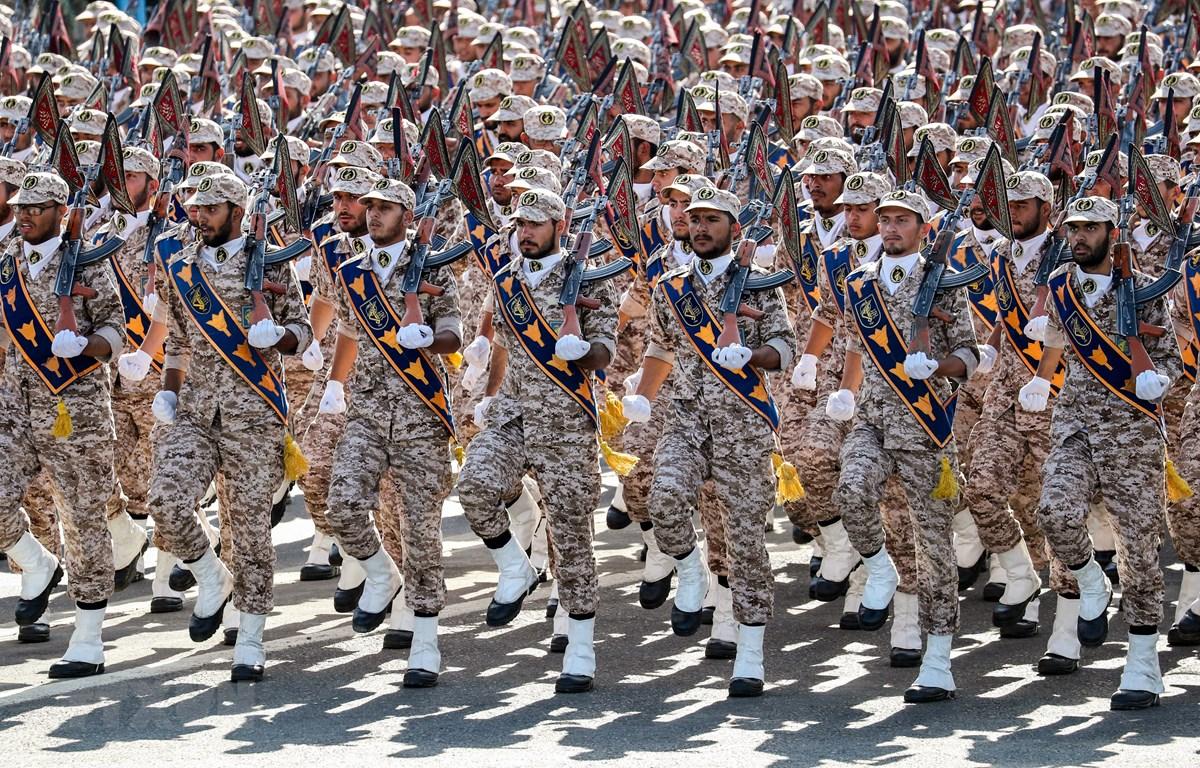 Ảnh tư liệu: Lực lượng Vệ binh Cách mạng Hồi giáo Iran (IRGC) tại lễ duyệt binh ở Tehran ngày 22/9/2018. (Nguồn: AFP/TTXVN)