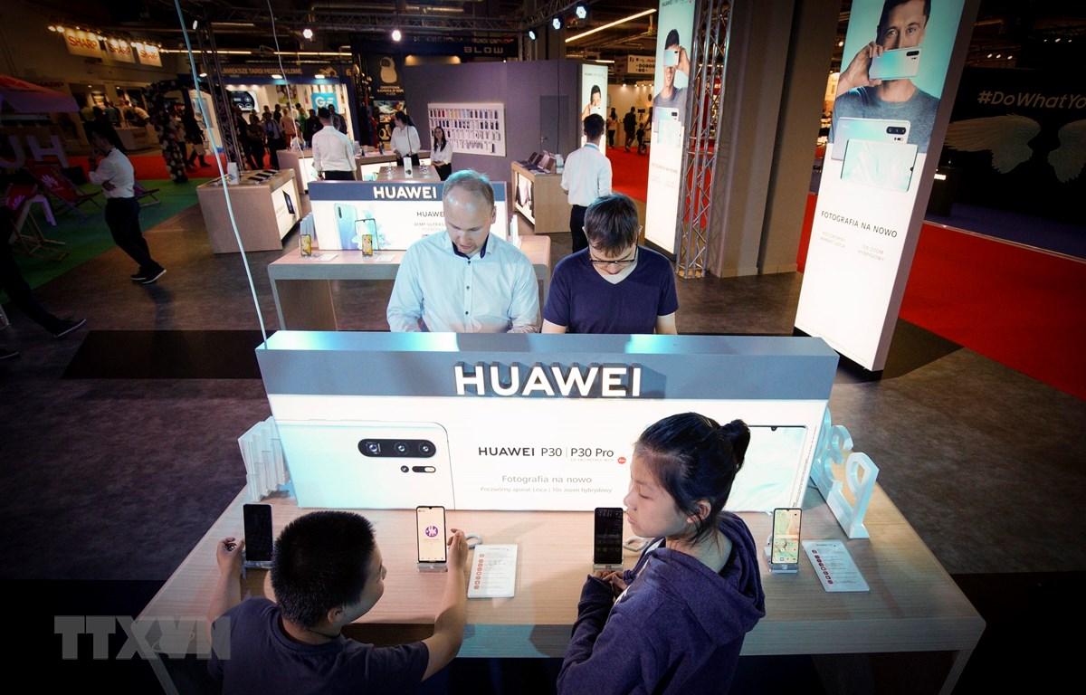 Gian hàng của Huawei tại Triển lãm điện tử ở Vacsava, Ba Lan, ngày 12/5/2019. (Nguồn: THX/TTXVN)