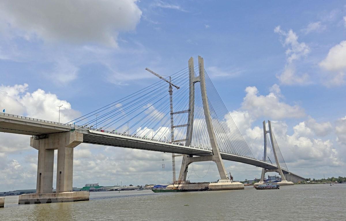 Cầu Vàm Cống nhìn từ phía huyện Lấp Vò (Đồng Tháp). (Ảnh: Huy Hùng/TTXVN)