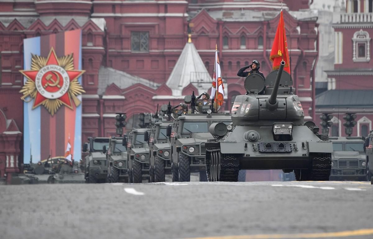 Xe tăng T-34 tại lễ diễu binh kỷ niệm Ngày Chiến thắng trên Quảng trường Đỏ ở thủ đô Moskva, Nga, ngày 9/5/2019. (Nguồn: AFP/TTXVN)