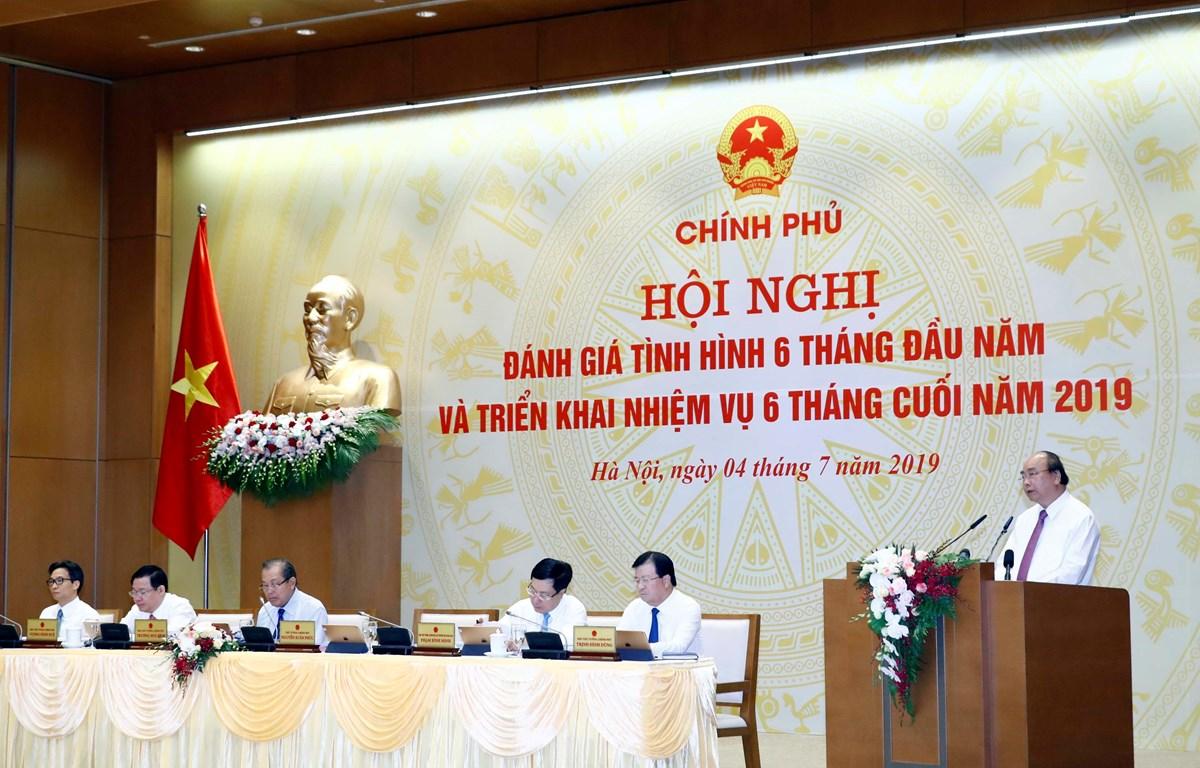 Thủ tướng Chính phủ Nguyễn Xuân Phúc phát biểu tại hội nghị. (Ảnh: Thống Nhất/TTXVN)