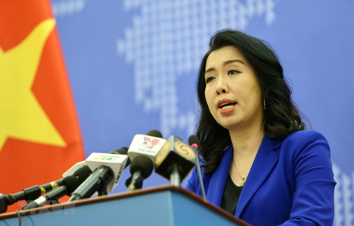 Người Phát ngôn Bộ Ngoại giao Lê Thị Thu Hằng trả lời câu hỏi của phóng viên trong nước và quốc tế. (Ảnh: Dương Giang/TTXVN)