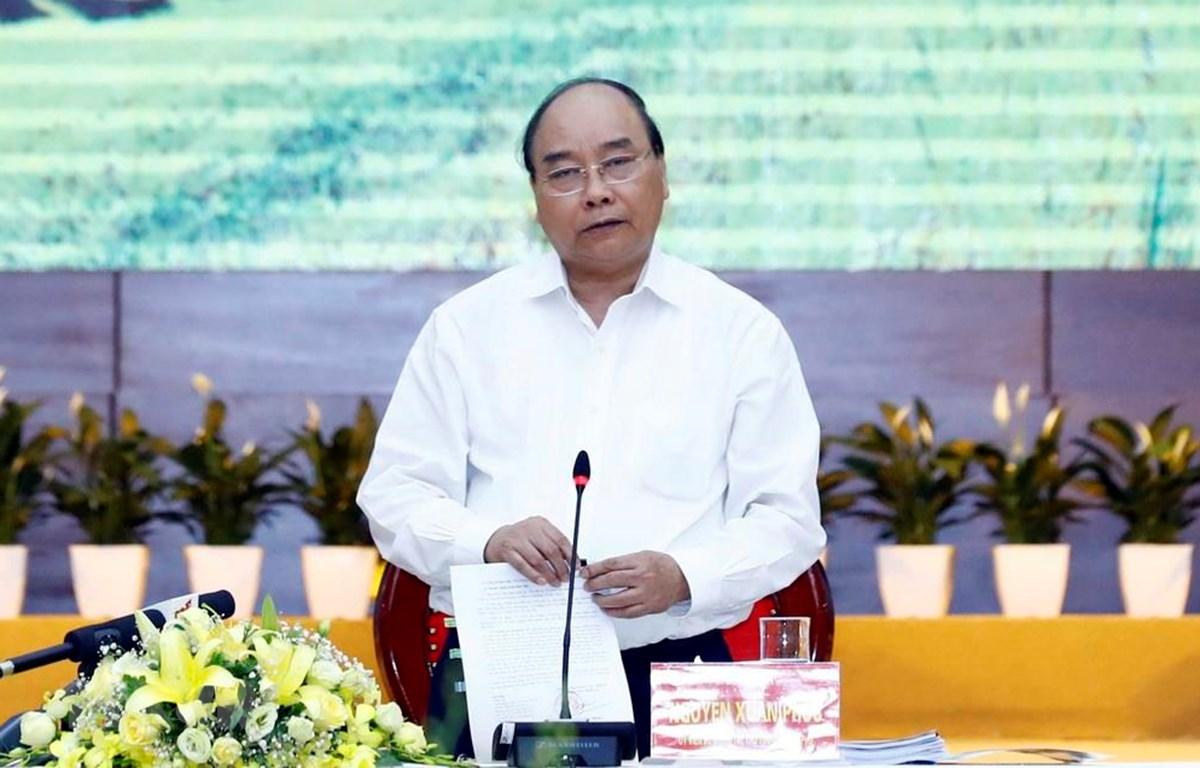 Thủ tướng Nguyễn Xuân Phúc chủ trì buổi làm việc của Tiểu ban Kinh tế-Xã hội Đại hội XIII với các địa phương khu vực miền núi phía Bắc. (Ảnh: Thống Nhất/TTXVN)