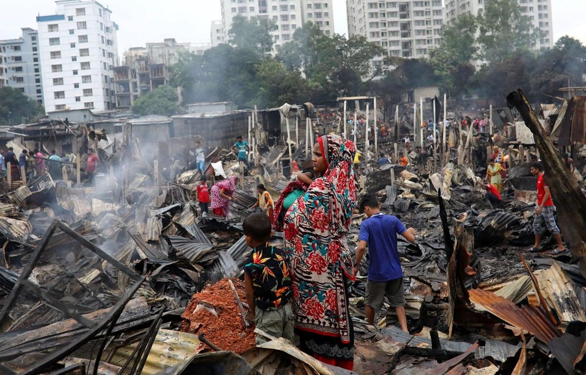 Hiện trường vụ hỏa hoạn khiến 10.000 người rơi vào cảnh 'màn trời chiếu đất.' (Nguồn: Reuters)