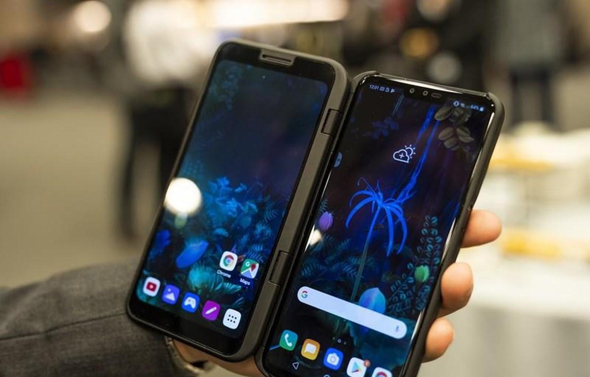 Mẫu điện thoại màn hình kép LG V50S. (Nguồn: Android Central)
