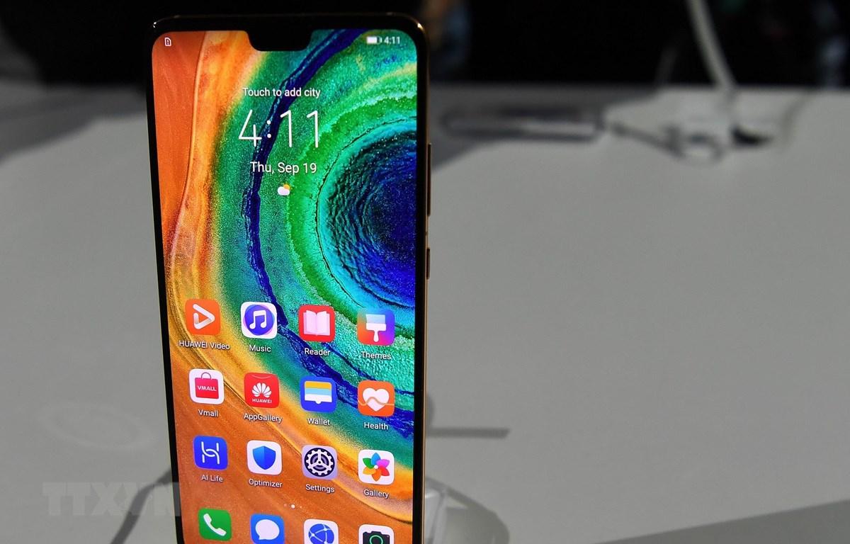 Mẫu điện thoại 5G mới Mate 30 của Huawei tại buổi ra mắt ở Munich, Đức ngày 19/9/2019. (Nguồn: THX/TTXVN)