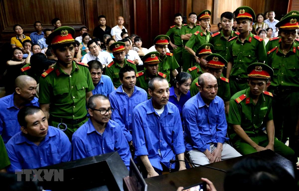 Các bị cáo tại phiên tòa ngày 7/10/2019. (Ảnh: Thành Chung/TTXVN)