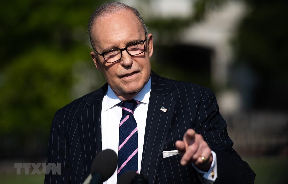 Ảnh tư liệu: Cố vấn Kinh tế Nhà Trắng Larry Kudlow tại cuộc họp báo ở Washington, DC, Mỹ, ngày 6/8. (Nguồn: AFP/TTXVN)