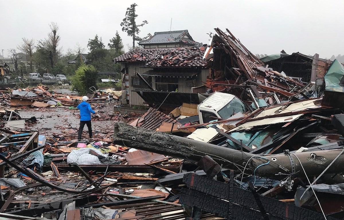 Cảnh tàn phá sau khi siêu bão Hagibis tràn qua tỉnh Chiba, Nhật Bản, ngày 12/10. (Nguồn: AFP/TTXVN)