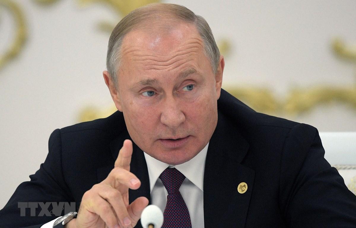 Trong ảnh: Tổng thống Nga Vladimir Putin phát biểu tại một hội nghị ở Ashgabat, Turkmenistan ngày 11/10/2019. (Nguồn: AFP/TTXVN)