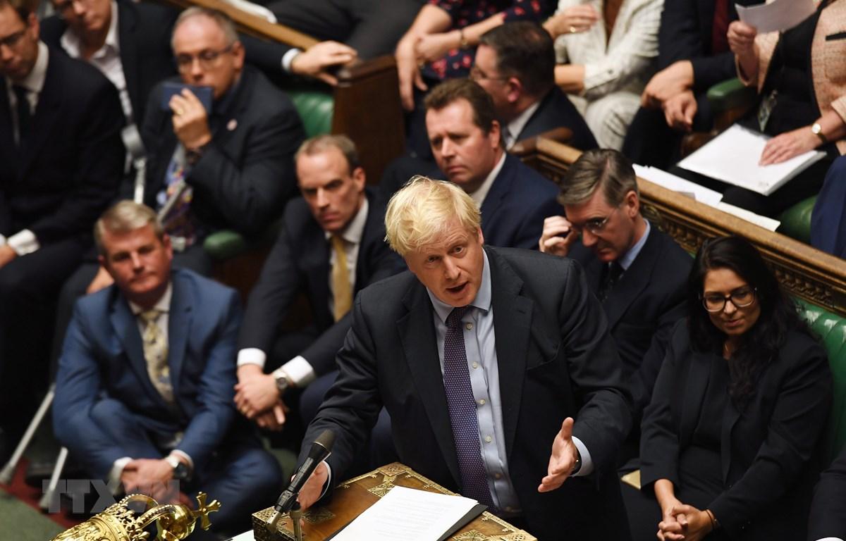 Thủ tướng Anh Boris Johnson phát biểu tại phiên họp của Hạ viện ở London ngày 22/10/2019. (Ảnh: AFP/TTXVN)
