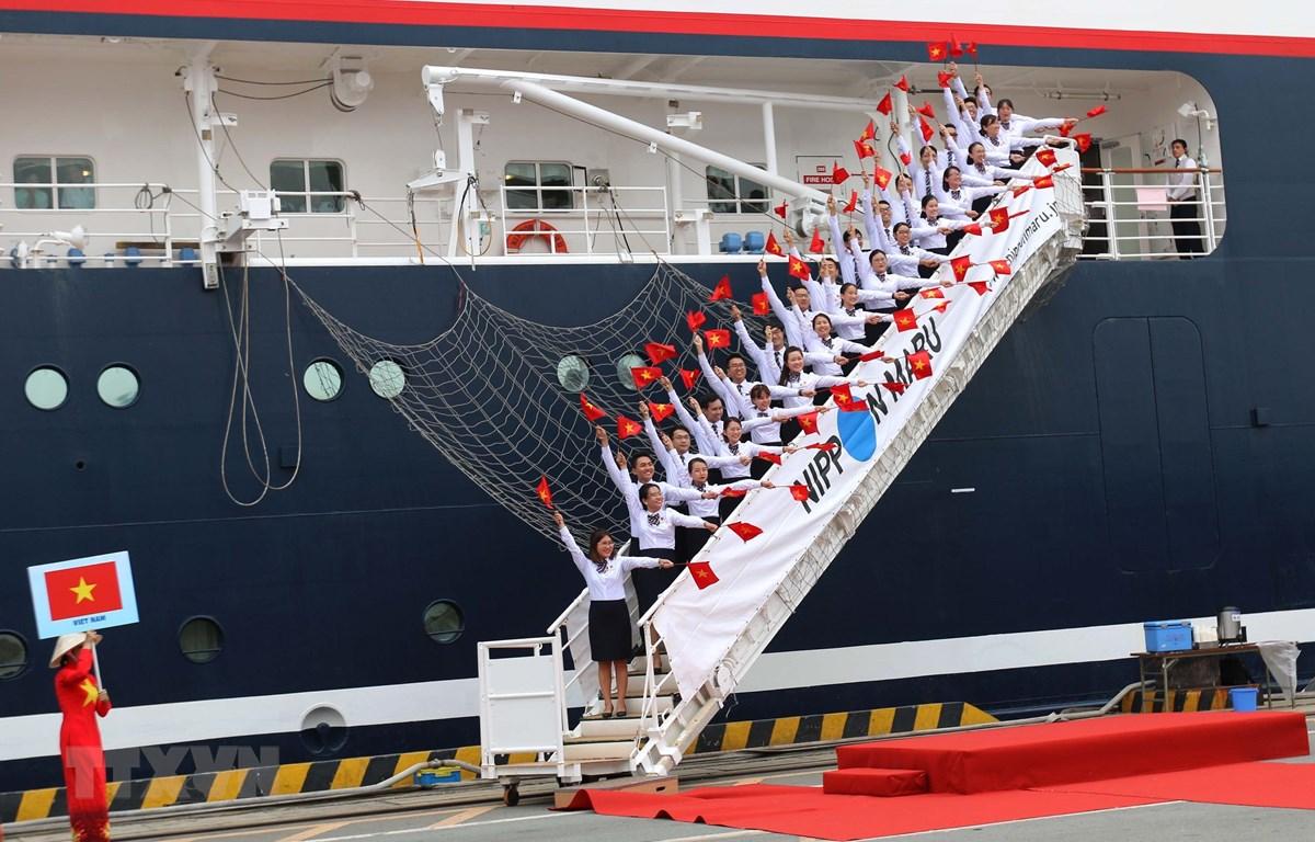 Đoàn đại biểu thanh niên Việt Nam tham gia chương trình tàu Thanh niên Đông Nam Á và Nhật Bản năm 2019. (Ảnh: Thanh Vũ/TTXVN)