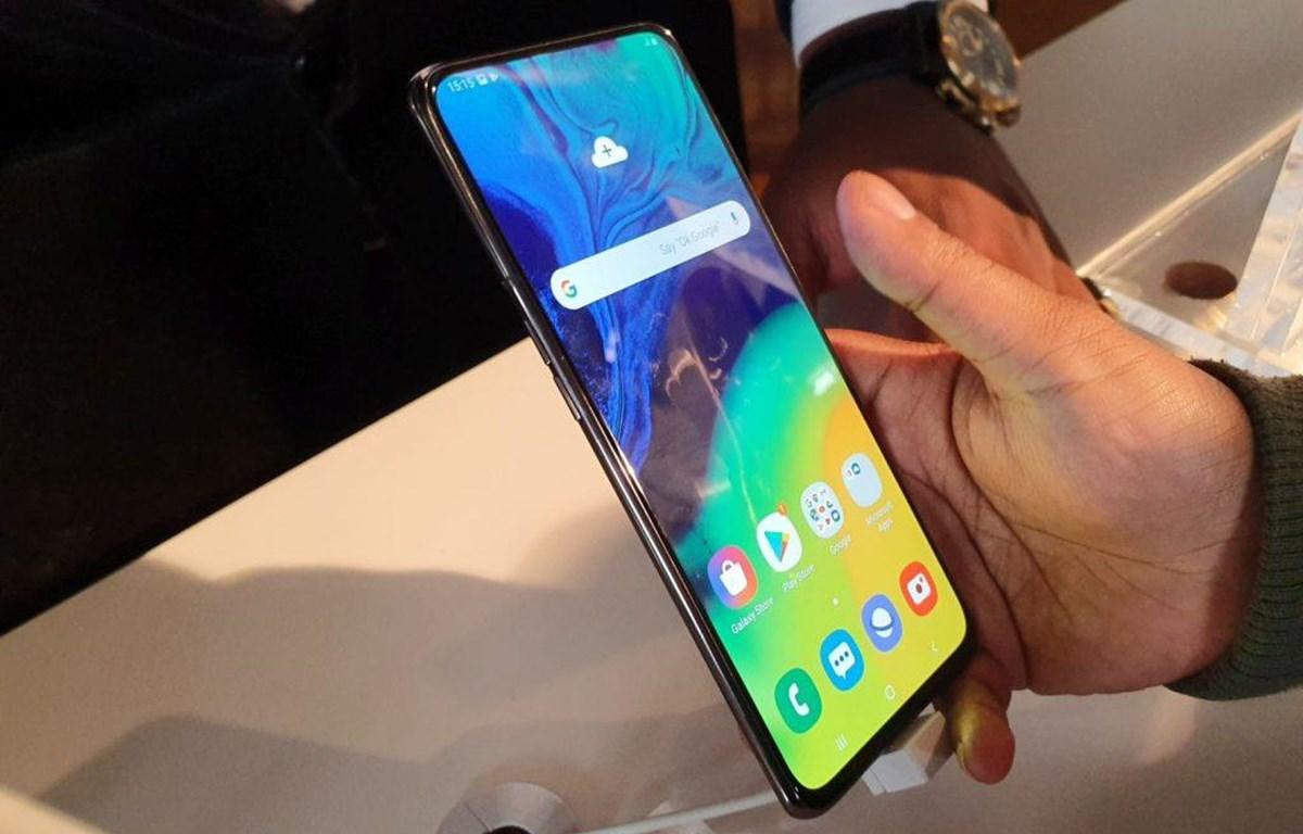 Mẫu điện thoại Samsung Galaxy A80. (Nguồn: Getty Images)