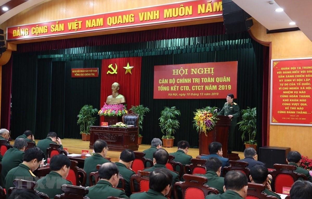 Đại tướng Lương Cường, Chủ nhiệm Tổng cục Chính trị Quân đội Nhân dân Việt Nam chủ trì hội nghị. Ảnh: Dương Giang/TTXVN)