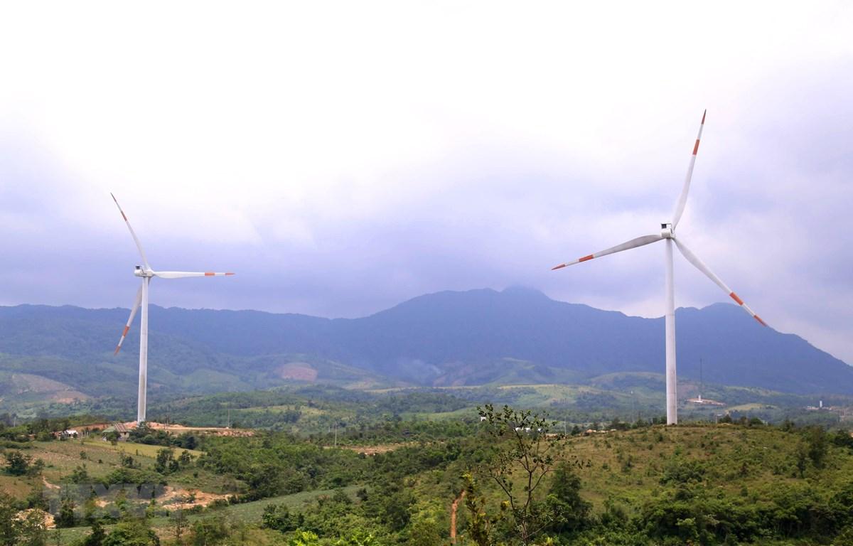 Dự án điện gió đang triển khai tại huyện miền núi Hướng Hóa, Quảng Trị. (Ảnh: Nguyên Lý/TTXVN)