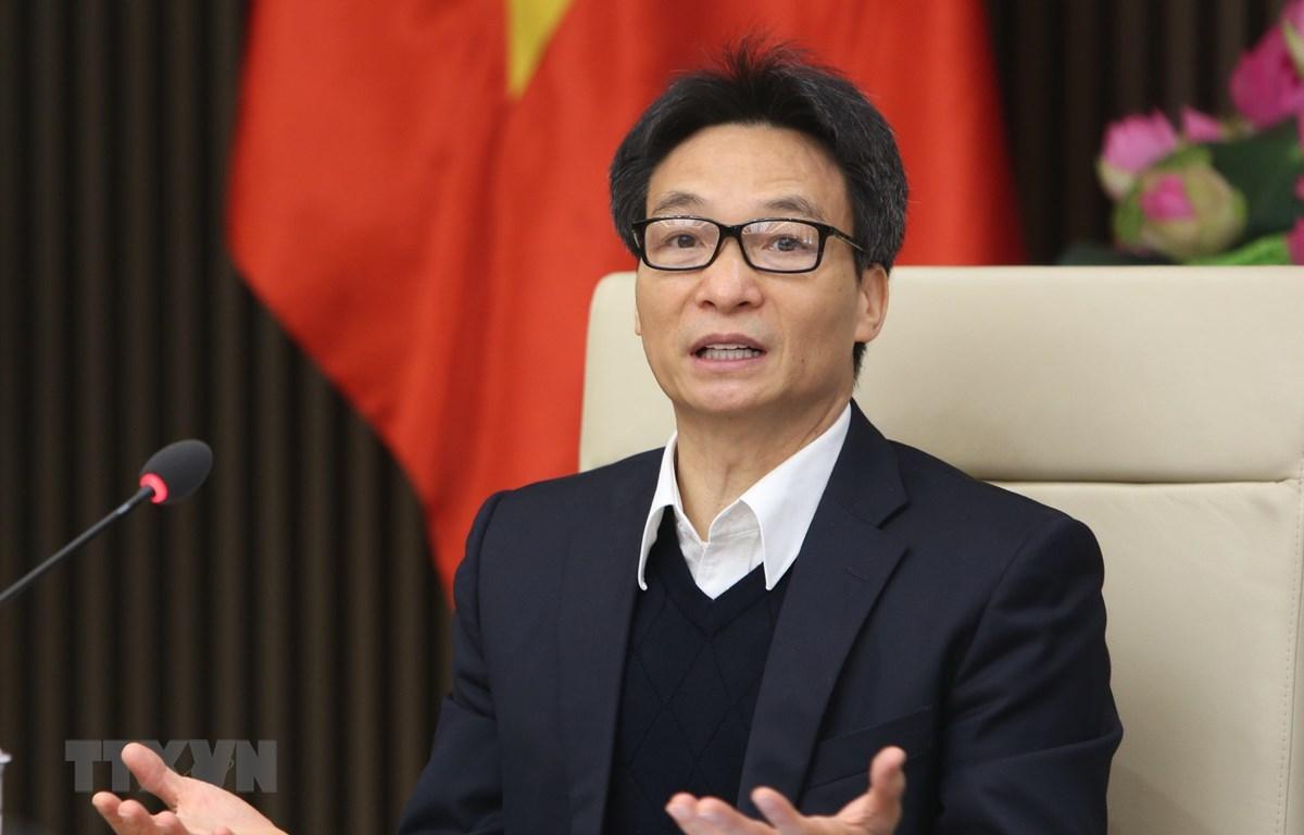 Phó Thủ tướng Vũ Đức Đam, Trưởng ban chỉ đạo liên ngành Trung ương về an toàn thực phẩm giao nhiệm vụ cho các bộ, ngành liên quan kịp thời, kiên quyết trấn chỉnh hoạt động kinh doanh thực phẩm chức năng. (Ảnh: Dương Giang/TTXVN)