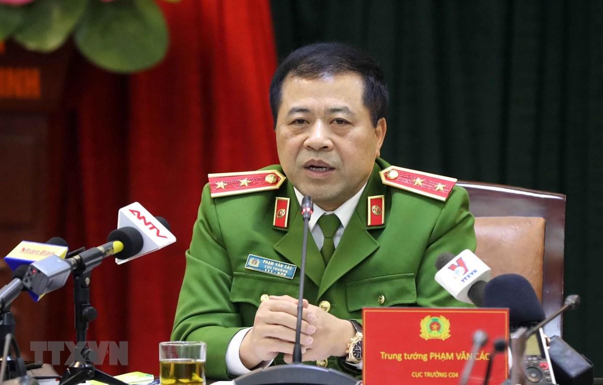 Trung tướng Phạm Văn Các, Cục trưởng Cục Cảnh sát điều tra tội phạm về ma túy thông tin cho phóng viên báo chí. (Ảnh: Doãn Tấn/TTXVN)