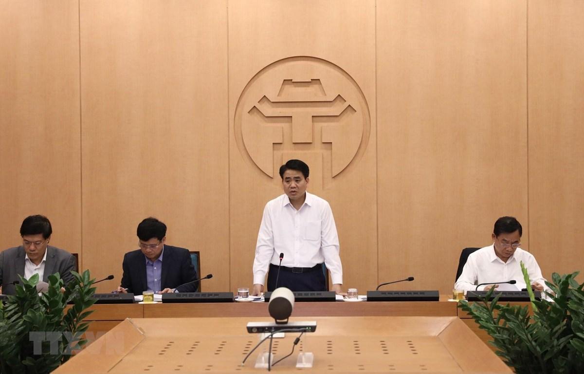 Chủ tịch Ủy ban Nhân dân thành phố, Trưởng Ban Chỉ đạo phòng, chống dịch COVID-19 thành phố Hà Nội phát biểu chỉ đạo. (Ảnh: Văn Điệp/TTXVN)