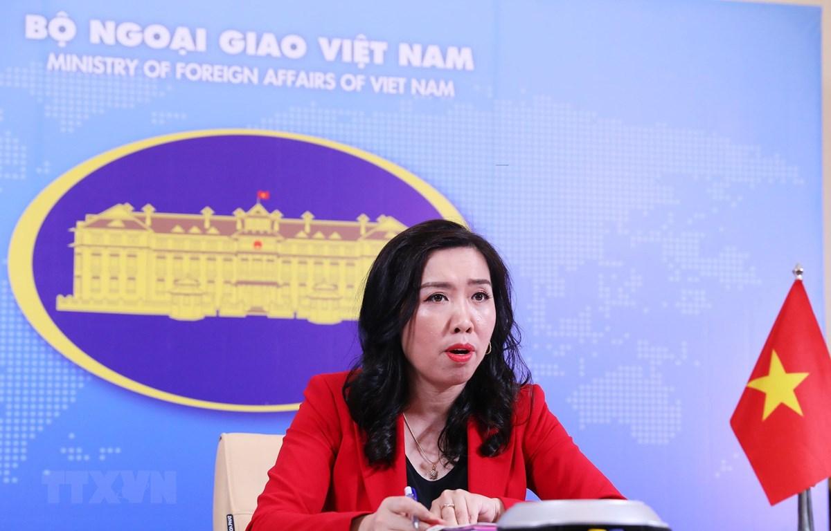 Người phát ngôn Bộ Ngoại giao Lê Thị Thu Hằng trả lời trực tuyến các câu hỏi của phóng viên trong nước và quốc tế. (Ảnh: Lâm Khánh/TTXVN)