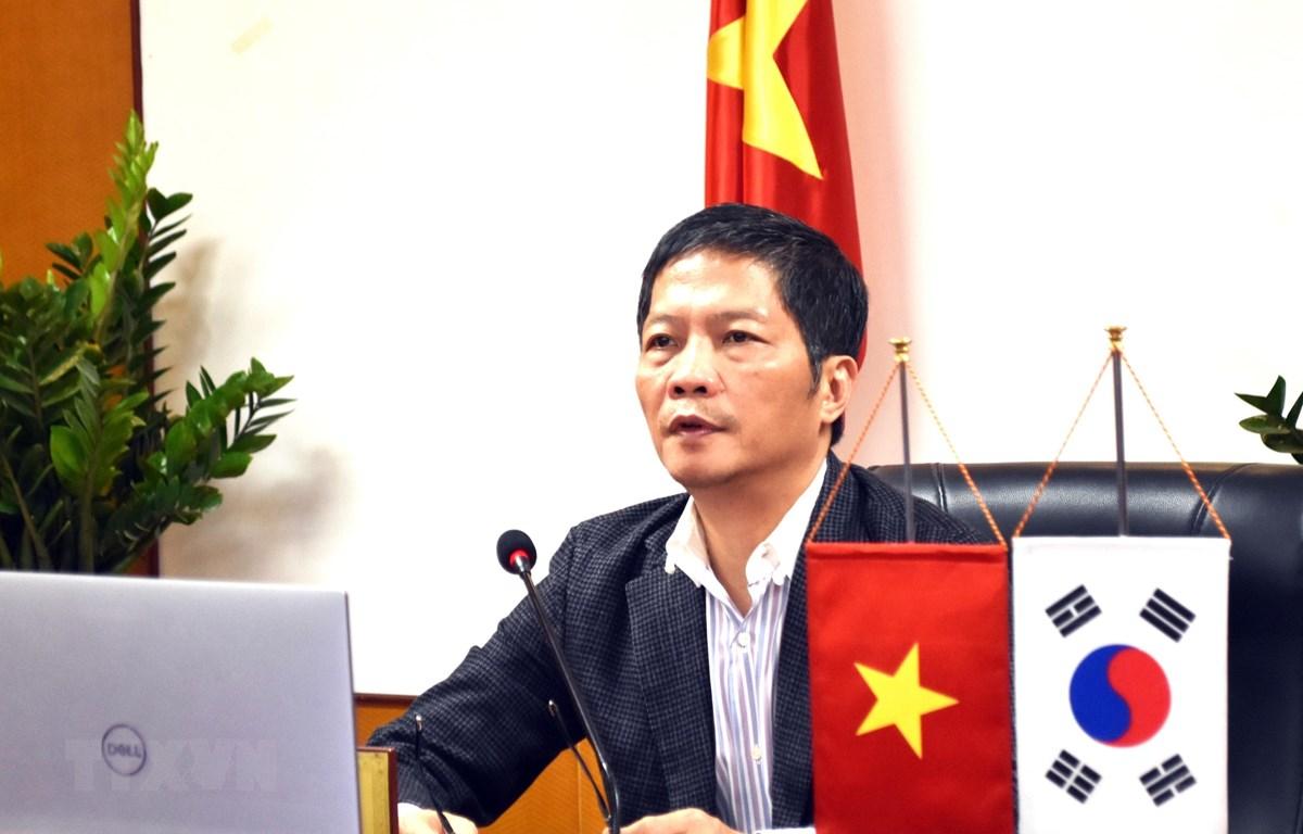Bộ trưởng Trần Tuấn Anh phát biểu tại buổi điện đàm. (Ảnh: Trần Việt/TTXVN)
