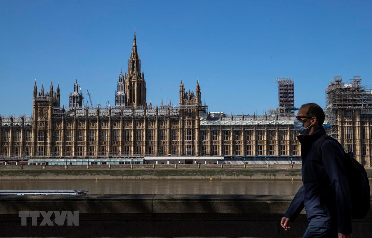 Cảnh vắng lặng tại London, Anh khi lệnh giãn cách xã hội được áp đặt nhằm ngăn dịch COVID-19 lây lan, ngày 15/4/2020. (Nguồn: THX/TTXVN)
