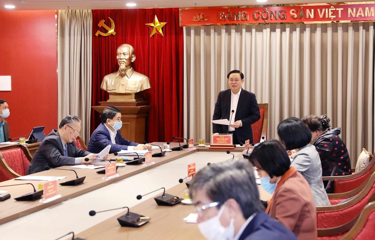 Bí thư Thành ủy Hà Nội Vương Đình Huệ phát biểu chỉ đạo tại buổi làm việc. (Ảnh: Văn Điệp/TTXVN)