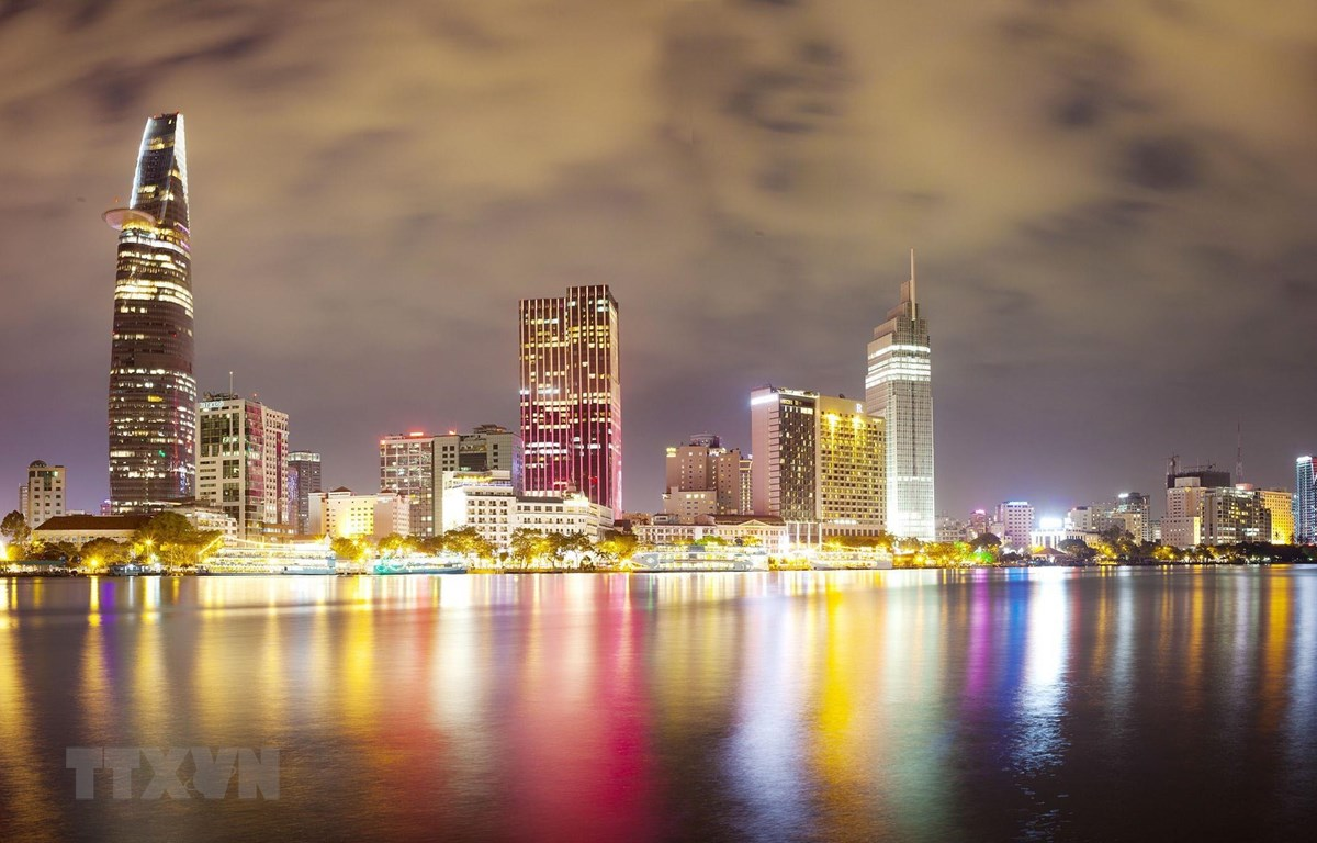 Sau 45 năm Giải phóng miền Nam, thống nhất đất nước, Thành phố Hồ Chí Minh đã có những bước phát triển nhanh và bền vững, luôn giữ vai trò đầu tàu, là động lực, có sức hút và lan tỏa lớn của vùng kinh tế trọng điểm phía Nam, giữ vị trí quan trọng của cả n
