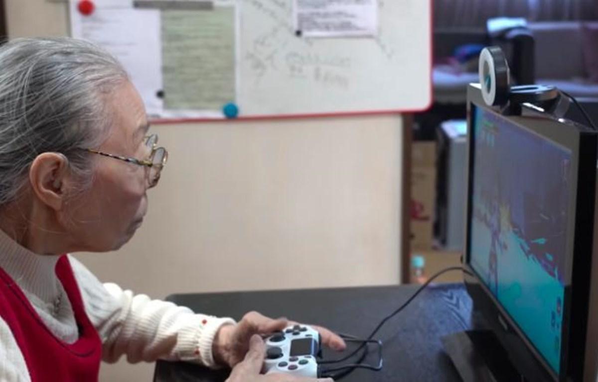 Cụ Hamako Mori cho biết cụ có lúc mải chơi game đến 2 giờ sáng. (Nguồn: Tổ chức Kỷ lục Thế giới Guinness)